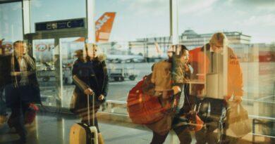 Passagers dans un aéroport