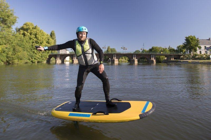 La Sarthe se met au surf électrique 1