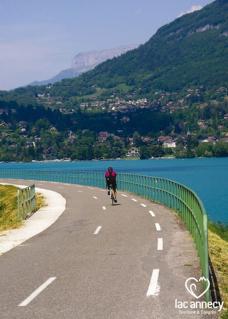 lac annecy vélo