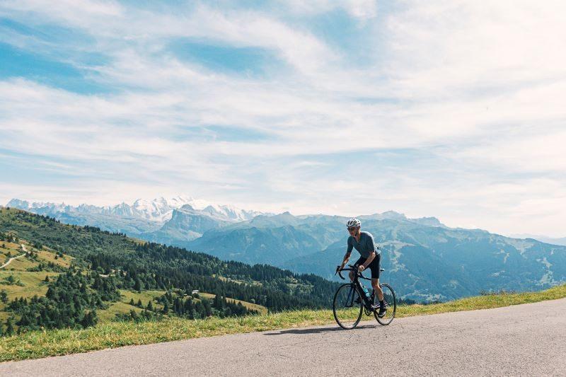 Cycliste, route du Lubéron