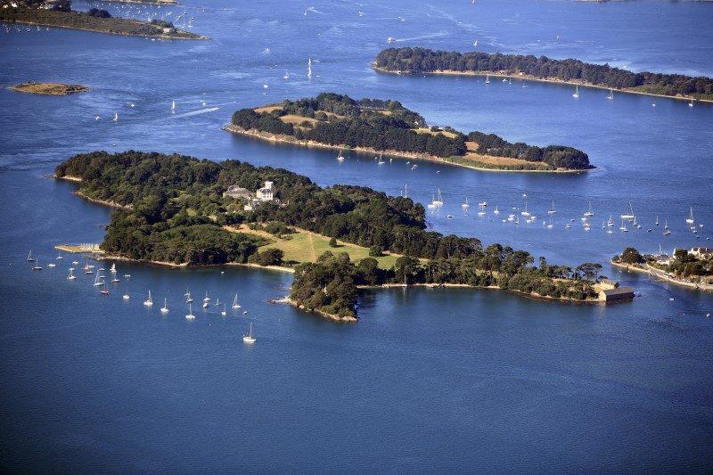 Le Morbihan en majesté depuis les airs 1