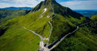 Tour de France 2020. Etape 13 : les volcans d'Auvergne en toile de fond 2