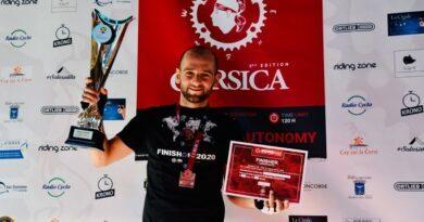 VIDEO - Stade 2 met à l'honneur la course d'ultra-cyclisme BikingMan Corse 1