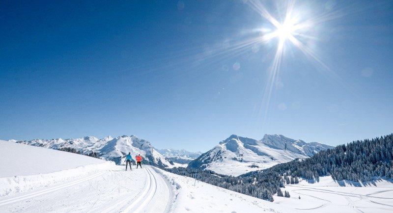 Annecy Mountains royaume des activités nordiques 1