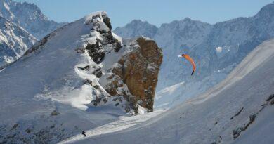 Serre Chevalier Vallée Briançon théâtre d'un exploit en snowkite 4