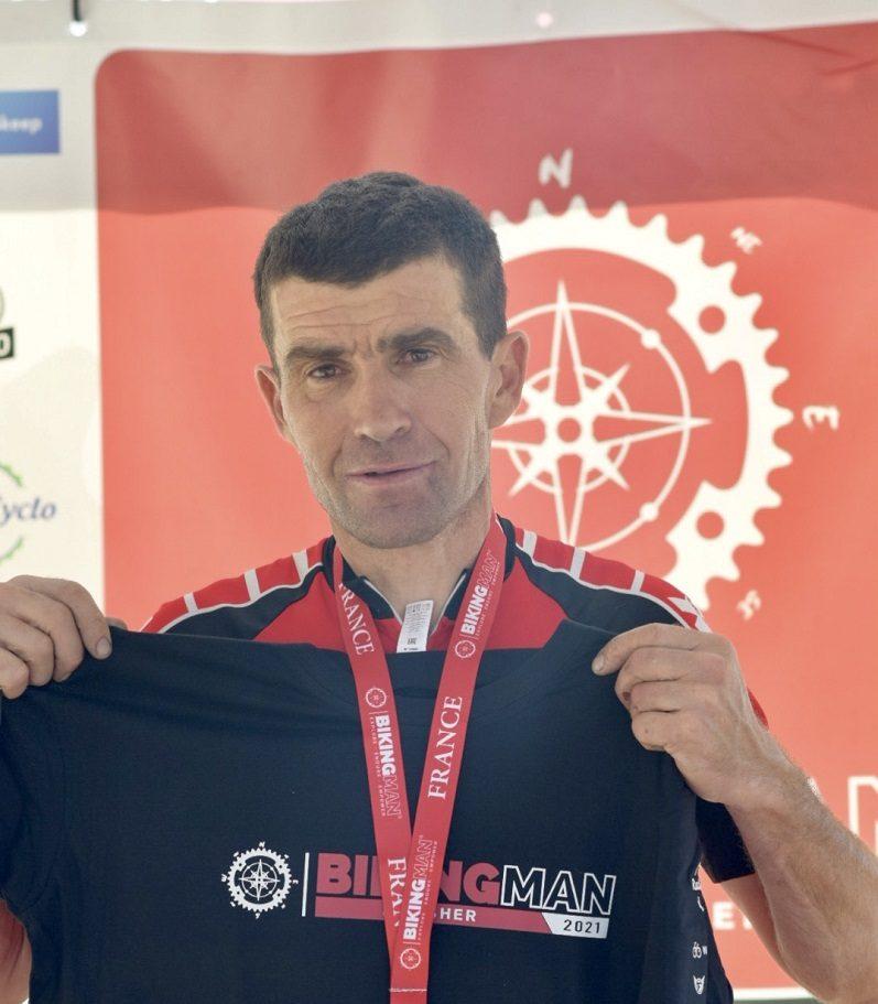 Provence-Alpes Côte-d'Azur : Rémi Borrion remporte le BikingMan France (1000 kilomètres) en 50h57 minutes sans dormir 1
