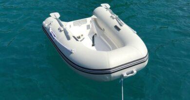 Comment entretenir son annexe bateau en pleine saison? 1