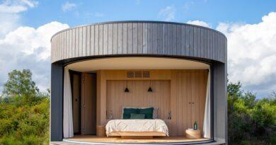 Au coeur des volcans d'Auvergne, Killian Jornett accueille des hôtes dans une mini-maison de verre 4