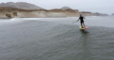 Un Hawaïen surfe la plus longue vague du monde au Pérou 9