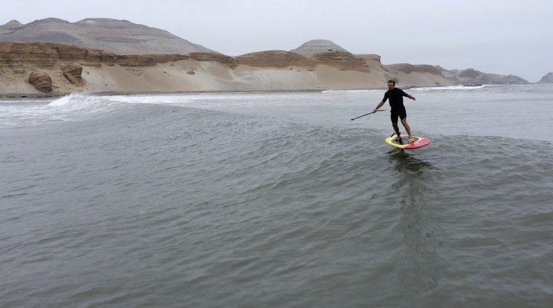 Un Hawaïen surfe la plus longue vague du monde au Pérou 1